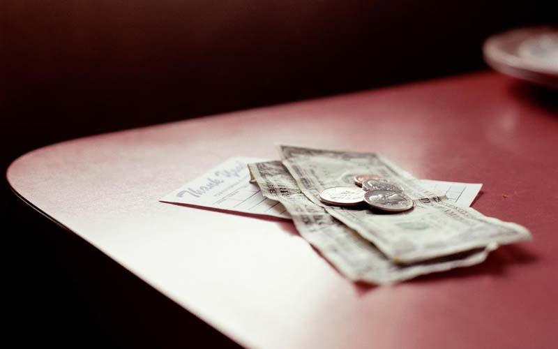 با پول نقد خرید کنید!