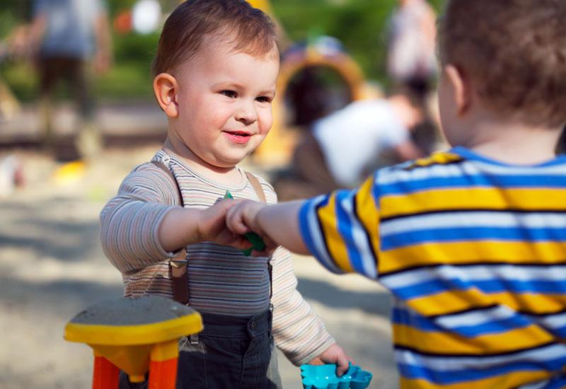 آموختن مهارتهای اجتماعی به فرزندان