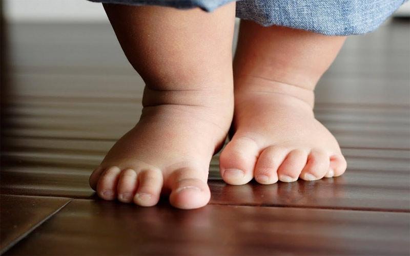 قدمهای کوچک