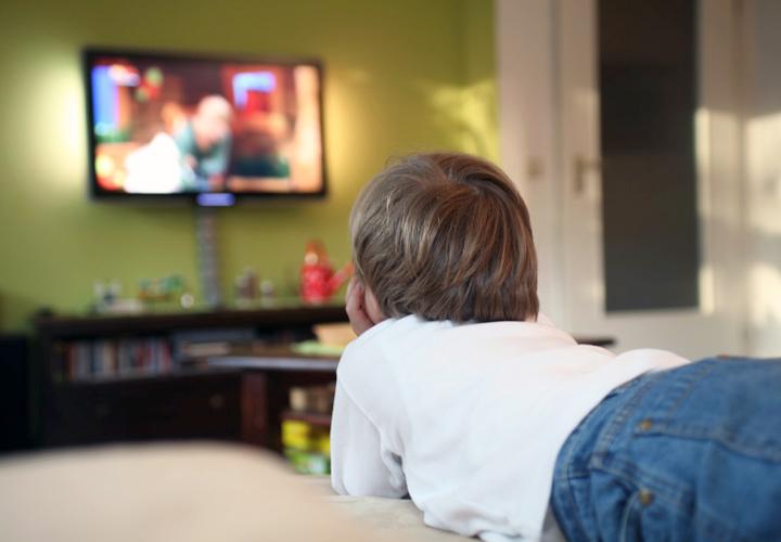 تماشای تلویزیون یک فعالیت منفعلانه است.