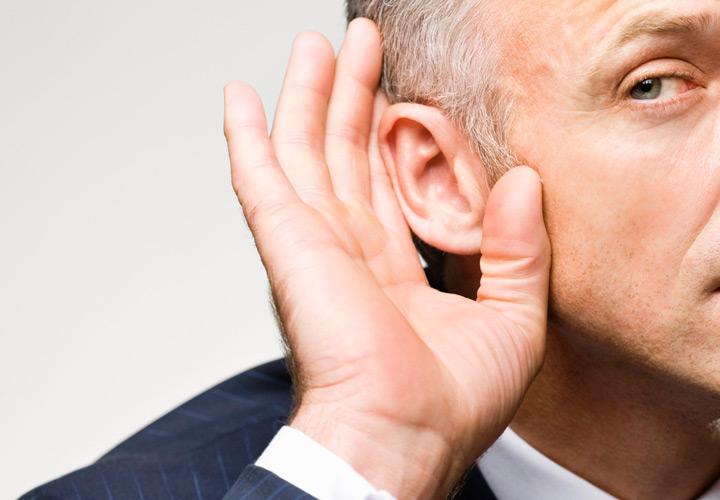 مهارت گوش دادن یعنی توانایی دریافت و درک صحیح پیامها در فرآیند ارتباط.