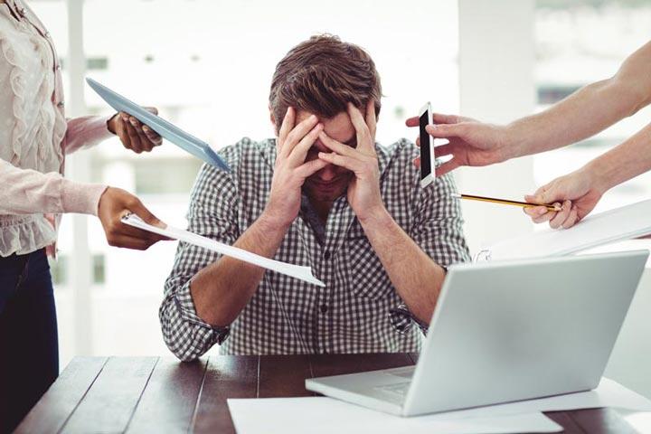 کار کردن زیر بار فشار احساسی موجب تخریب عملکرد میشود.