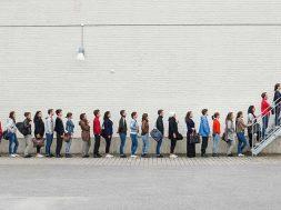 ۵ سوال که برای انتخاب موفقیتآمیز پایگاه مشتریان باید به آنها پاسخ دهید