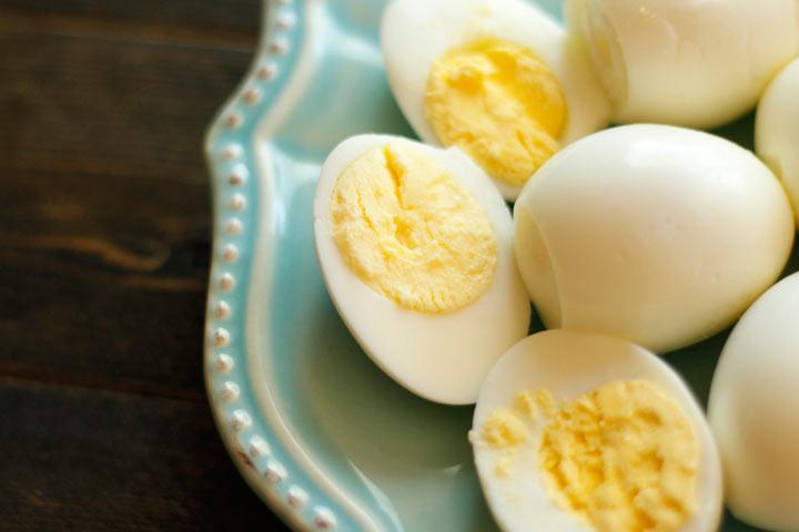 تخممرغ از منابع اصلی کولین به شمار میرود