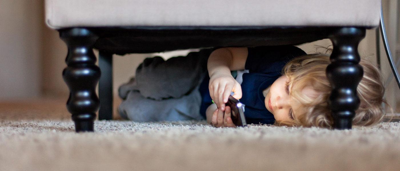 چطور به کودک خجالتیمان کمک کنیم؟