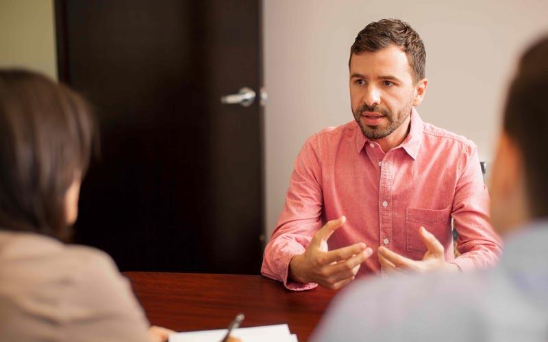 گوش دادن به مشتری ناراضی
