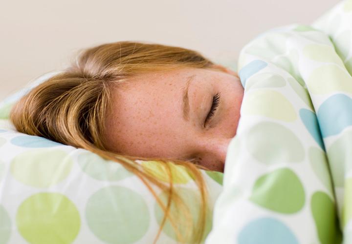 زنان نسبت به مردان به طور میانگین به ۲۰ دقیقه خواب بیشتر نیاز دارند.