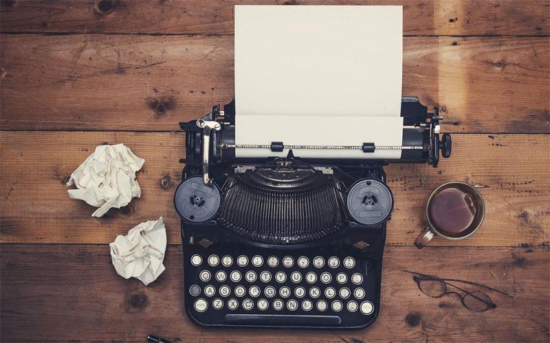 چگونه کتاب بنویسیم - دستگاه تایپ کتاب
