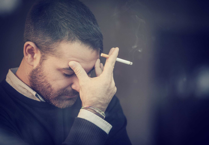 سیگار کشیدن در مواقع ناراحتی