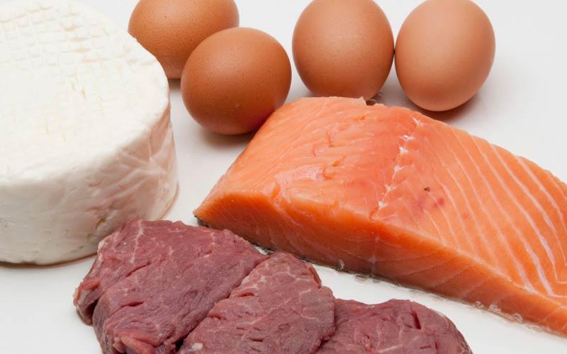 گوشت و ماهی بهترین منابع بی۱۲ هستند