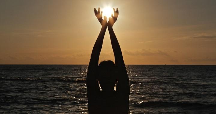 خورشید در دستان شماست