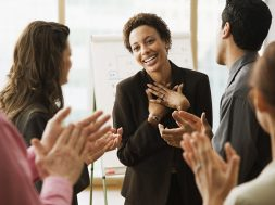 ۷ Ways to Be Popular at Work