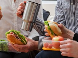 ۱۹ Crazy Easy Ways You Can Be Healthier in the Office