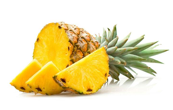 آناناس دارای مقادیر زیادی از ویتامین سی است.