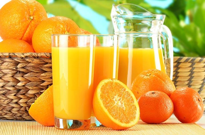 پرتقال سرشار از ویتامین سی است.
