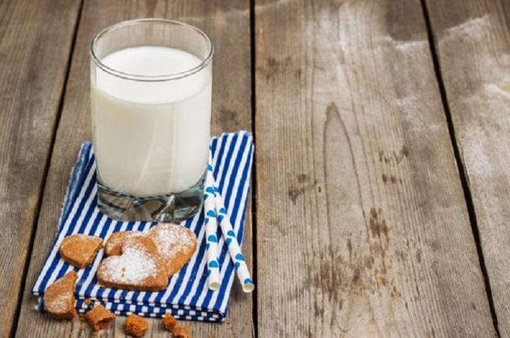 مصرف شیر برای داشتن خواب راحت
