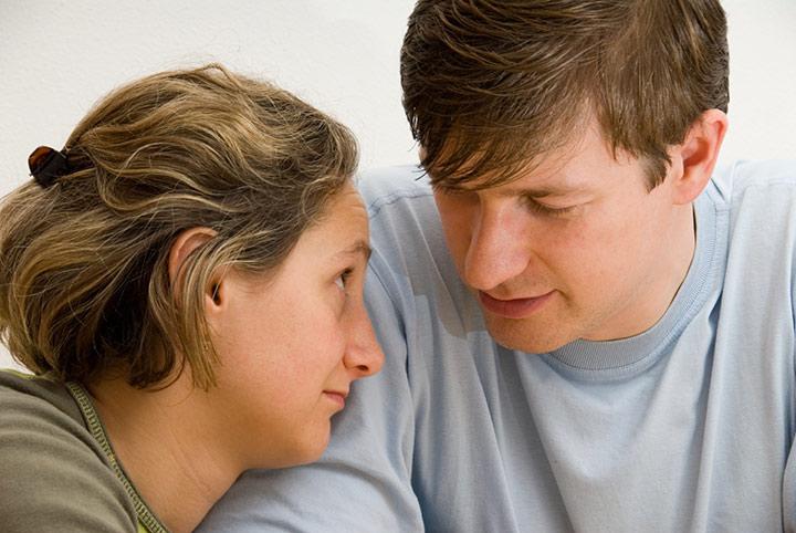 هوش هیجانی چیست - سعی کنید احساسات دیگران را درک کنید.