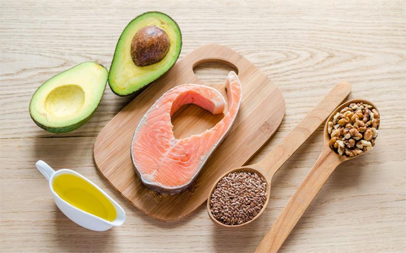 مواد غذایی سرشار از اسیدهای چرب - راه های جلوگیری از ریزش مو