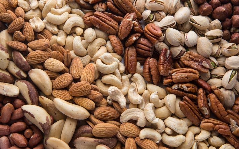 آجیل با انواع ویتامینها و مواد معدنی و حجم کم به کاهش وزن و عضلهسازی کمک میکند
