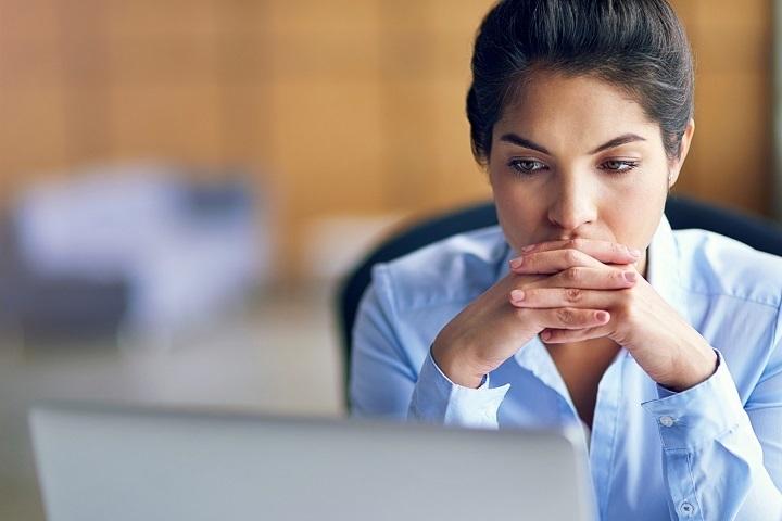 ۵ نشانه که شغلتان استعداد شما را به هدر میدهد