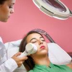 کدام روش درمان جوش صورت برای من بهتر است؟