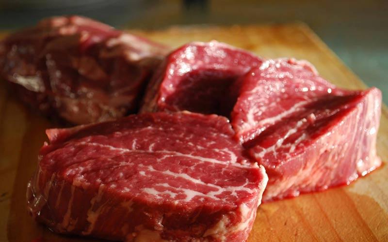 گوشت گوساله بهترین منبع پروتئین و در نتیحه عضلهسازی است