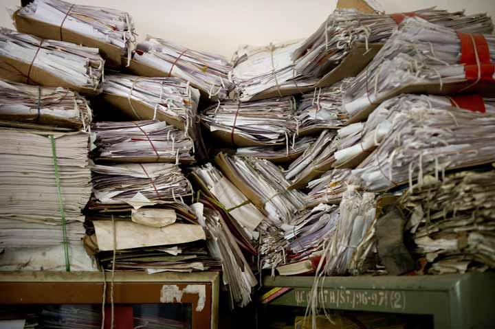 کاغذبازی و تشریفات اداری به عنوان موانع خلاقیت در نظر گرفته میشوند.