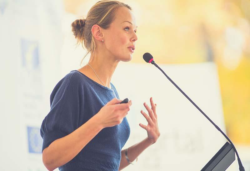 زبان بدن هنگام صحبت کردن - چگونه خوب صحبت کنیم