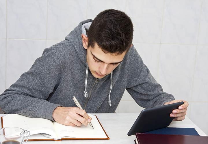 برای موفقیت در کنکور با فاصلهی زمانی برنامهریزی شده درس بخوانید