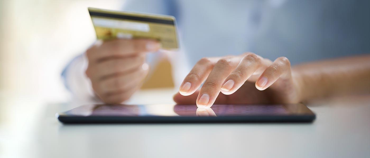 تجارت الکترونیک چیست و چه مزایا و معایبی دارد