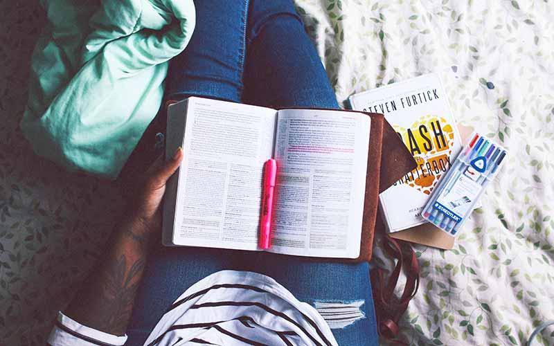 چگونه هنگام مطالعه تمرکز کنیم؟