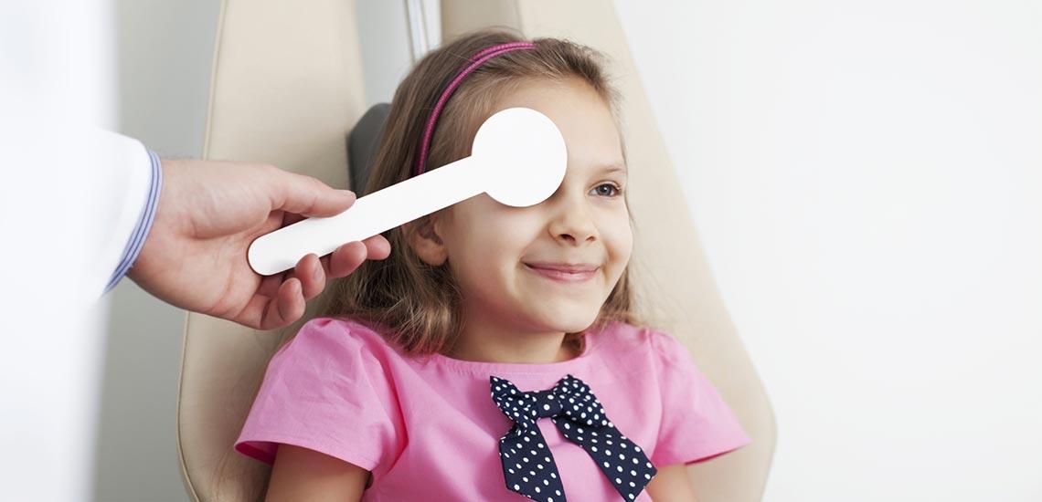 آشنایی با علائم تنبلی چشم و راههای درمان آن