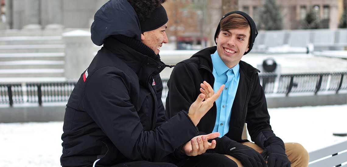 چگونه با دیگران ارتباط برقرار کنیم؛ آشنایی با ۱۱ نکته واقعا کاربردی