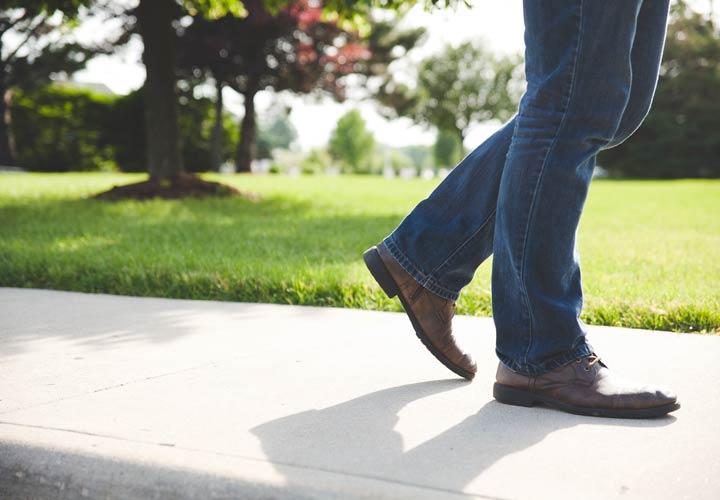 کنترل احساسات با پیادهروی -چگونه احساساتمان را کنترل کنیم