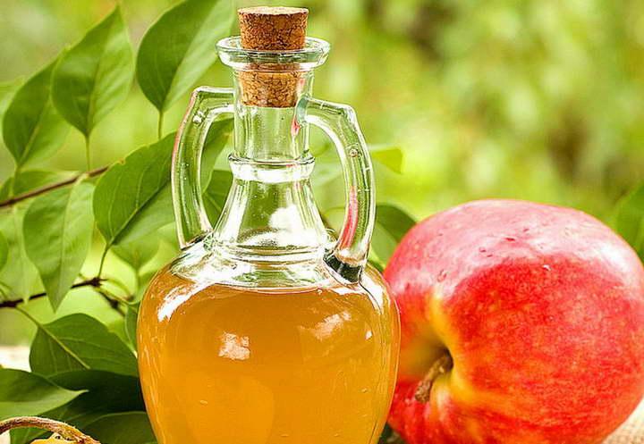 برای درمان خانگی معده درد، سرکهی آب سیب بنوشید