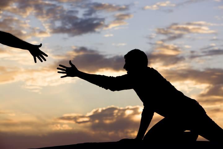 کمک خواستن از دیگران نشانهی کمبود عزت نفس نیست - عزت نفس چیست
