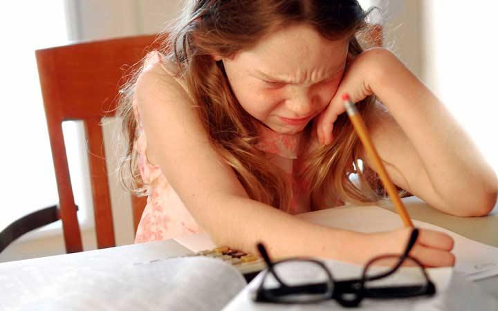 علائم اختلالات یادگیری در کودکان