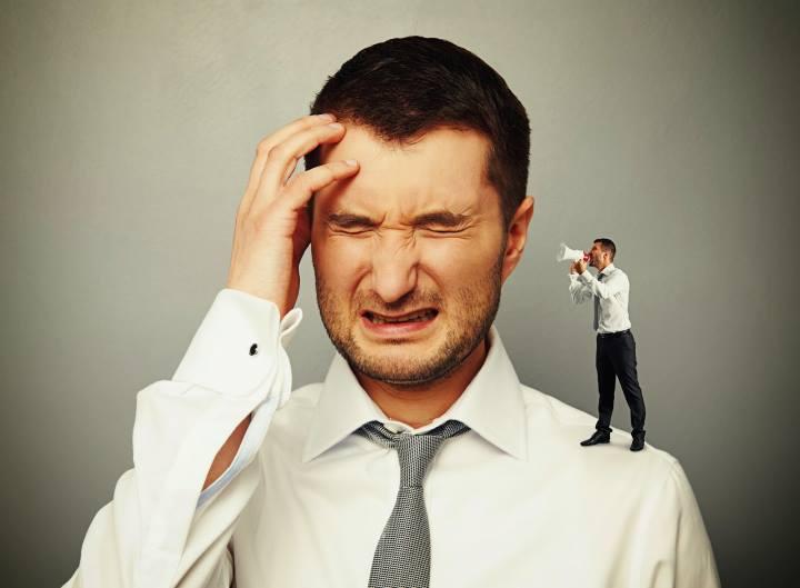 صداهای منفی توی سرتان را نادیده بگیرید - عزت نفس چیست