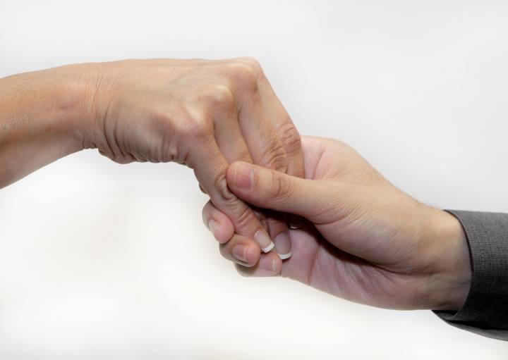 دست دادن ضعیف
