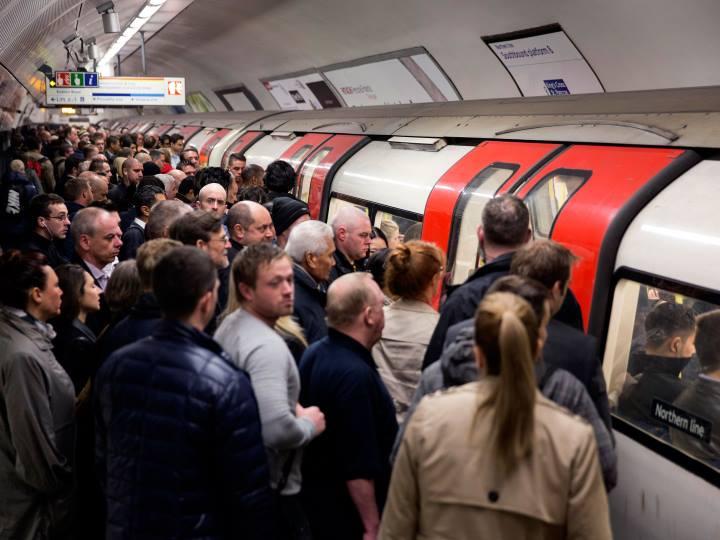 چگونه برنامهریزی کنیم-صف مترو