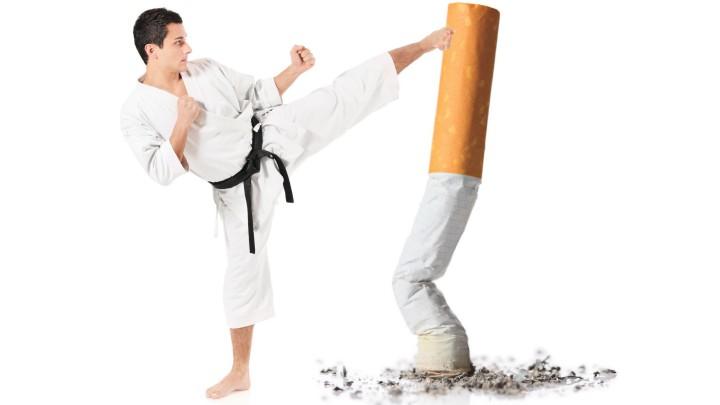 ترک سیگار به پیشگیری از ابتلا به سرطان ریه کمک می کند.