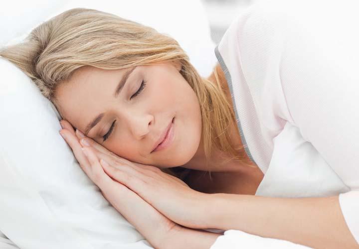 خوابیدن به اندازهی کافی باعث کاهش اشتها میشود.