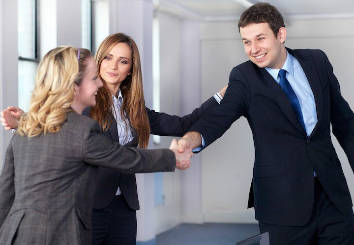اسم افراد را به خاطر بسپارید - چگونه روابط اجتماعی موفق داشته باشیم