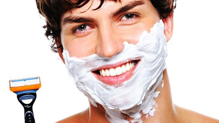 برای درمان خشکی پوست تراشیدن و اصلاح موهای زائد را به بعد از حمام کردن موکول کنید.