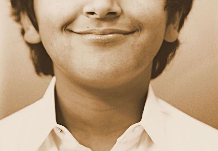 برای درمان اضطراب لبخند بزنید