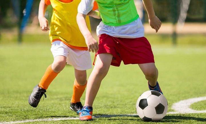 پرورش استعداد و علایق کودکان باعث افزایش اعتماد به نفس در کودکان میشود.