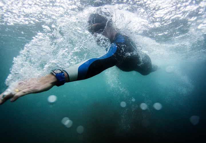 افزایش آرامش اعصاب و کاهش استرس - حرکات ریتمیک مانند شنا راهی برای کاهش استرس