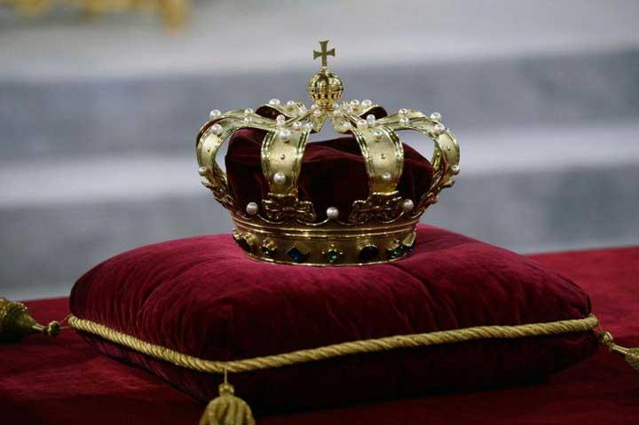تئوری مرد بزرگ معتقد است بعضی افراد برای رهبری به دنیا میآیند.