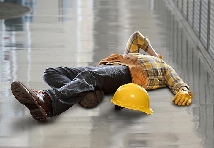 جلوگیری از وقوع لغزش و سقوط از جمله فعالیتهای ایمنی و بهداشت محیط کار است