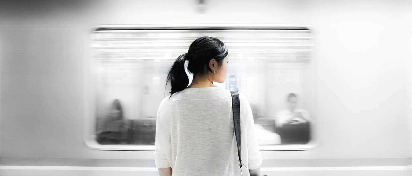 علائم افسردگی؛ با نشانههای خاموش اما خطرناک افسردگی آشنا شوید